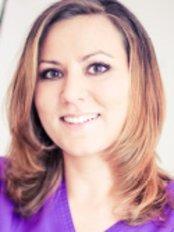 Dr Gabriella Gyorfi - Doctor at Dentoplant
