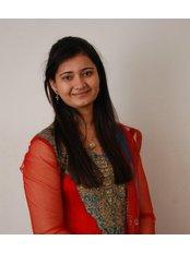 Dr Shaily Thakkar - Dentist at Modi Mulstispecialty Dental Clinic