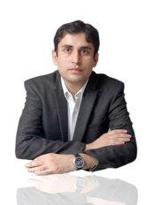 Dr Mohit Dhawan - Principal Dentist at Avance Dental Care
