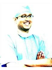 Dr VINAMRA DHARIWAL - Principal Dentist at ADARSH DENTAL CLINIC - CHENNAI MRC Nagar
