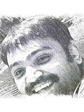 Dr Ravi Shankar Sha - Principal Dentist at Dhanwanth Dental Care