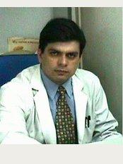 Dental Clinic & Dental Implant Centre - 1, Shakti Vihar, Pitampura, Delhi, Delhi, 110034,