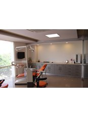 Dr.Motiwala Dental Clinic and Implant Center - Dental Implant Operatory