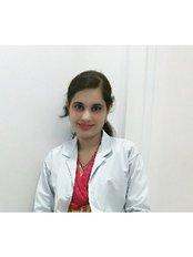 Dr Hina Tamkenat - Dentist at Fort Dental Hospital