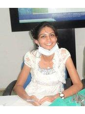 Dr Gunjan Mansuria - Associate Dentist at Dr. Bharat Katarmal - A Family Dentist