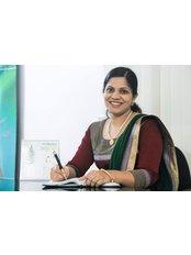 Dr Nithia sara Thomas - Principal Dentist at Nechupadam Dental Clinic
