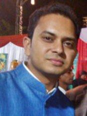 Dr Priyesh Bhaskar - Dentist at White Miracles
