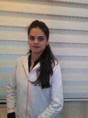 Dr Mansi  Jajal - Associate Dentist at Dr Diksha Batra - the Painfree Dentist