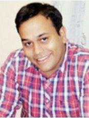 Dr Vaibhav Patil -  at Viral's Dental Avenue
