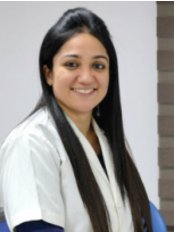 Mrs MEEKA  GULATI - Dentist at Dr Chopra's Implant & Orthodontic Clinic