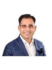 Dr Priyank Sethi - Principal Dentist at Stunning Dentistry