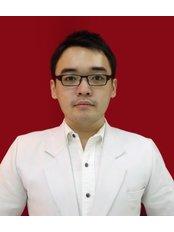 Mr Harry Ardiyanto - Dentist at Hendra Hidayat Implant Center