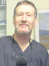 Dr. Liam Ó Droma, B.D.S., N.U.I. - Dublin - 2 Radharc an Oileáin, Harbour Road, Howth, Co. Dublin,  0