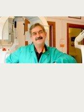 Dr A. Ghazinoori - Campi Bisenzi - Via B.Buozzi 77, Campi Bisenzi, 50013,