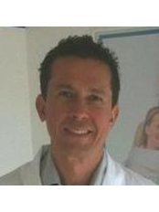 Dr Erol Agi - Orthodontist at Dental Clinique SpA Fornacette