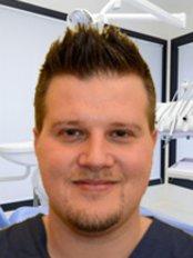 Dr Giampietro Volpato - Dentist at Dentiamo - Cliniche Odontoiatriche - Udine