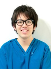 Dr Ishikura Masakazu - Dentist at Musashi Kosugi Dental Clinic