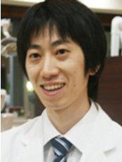 Dr Atsushi Onishi - Dentist at Fureaino-oka Dental Clinic