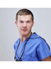 Aleksandrs Makarovs - Dentist at Dr.S.Mālmanes zobārstniecība (dr.Malman dentistry)