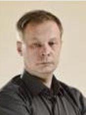 Dr Algirdas Lukošiunas - Dentist at Skaitmenines Odontologijos Centras