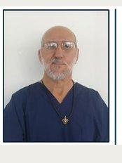 Laser Dental Clinic by Dr Roberto Altamira - Edificio Pioneros Local No. 7 Carretera Transpeninsular, Cabo San Lucas, Baja California Sur, CP 23450,