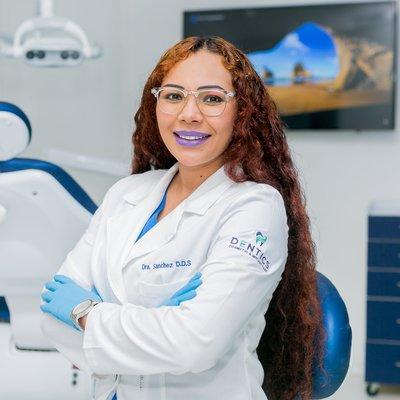 Dr Naxhiely Sanchez Castillejos