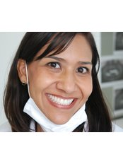 Dr Ana Laura Perez Castillo - Dentist at Estudio 134