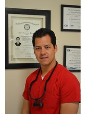 Dr. Julio Nevarez - Oral Surgeon at Nucleo Dental