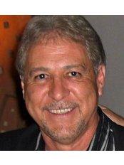 Dr. Adrian Leon Gomez - ., Industrial Leon, GTO 377340,  0