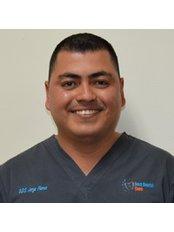 Dr Jorge Arturo Flores Díaz -  at Best Dental Care