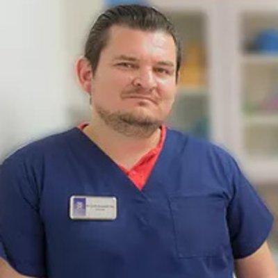 Dr Erick Escobedo cha
