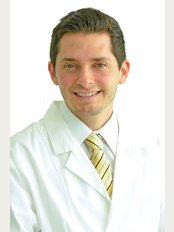 Whiteline Dental Clinic - Dr Guillermo Trujillo Losa - Dentist