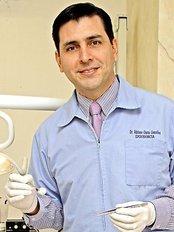 Centro de Endodoncia y Rehabilitacion - Dr. Adriano Garza DDS