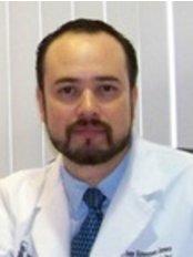 Dr Jorge Alonsoguerra - Principal Dentist at Dental Services Abroad by Dentaltek