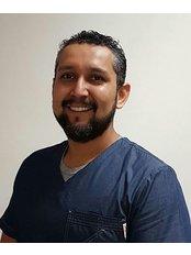 Dr HERMANN RIVERA - Orthodontist at Dental Line