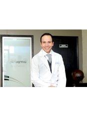 Dr Jose Luis Espinoza - Principal Dentist at Dentalperiogroup