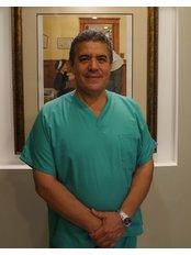 Tardaguila Periodontal Clinic - Dr. Gabriel Tardáguila (Periodontist)