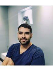 Dr Leonardo  Villafranca - Dentist at Dr Chio Dental Clinic