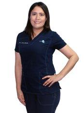 Dr. Lura Gonzalez - Oral Surgeon at Clínica Dental Unión