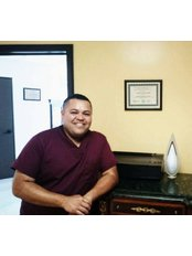 Mr. Julio Hernández  - Administrator at Dental Implant Clinic