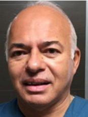 Dr Oscar Rivera - Dentist at Dr. Mexico
