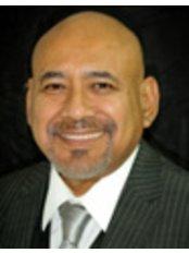 Dr Demetrio Landeros - Dentist at Dra. Claudia Rodriguez E.