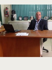 Funesmile Dental Clinic - José Clemente Orozco 2468, ., Zona Urbana Rio., Tijuana, Baja California, 22010,