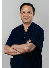 Dr Sachin Sachdev - Orthodontist at Dentino