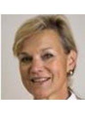 Monique Henneberke - Orthodontist at Orthodontie Amersfoort