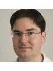 Floris Pelser - Orthodontist at Orthodontie Amersfoort