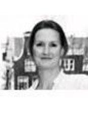 Ms Laura Kuylaars - Dentist at Endo