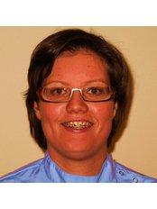 Dr Janneke van der Gouw - Dentist at Dental Nijverheidssingel