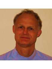 Dr Hans van Erp - Dentist at Dental Nijverheidssingel