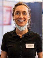 Henneman Ven Hees Orthodontisten - Leur - Van Rooylaan 144  TZ, Etten-Leur, 4871,  0